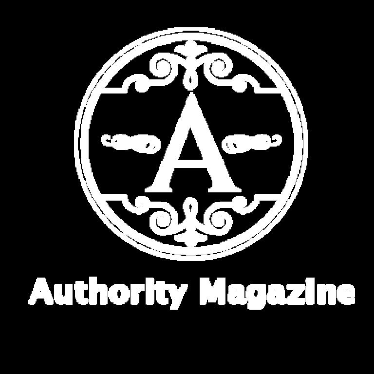 Logo - Authority Mag