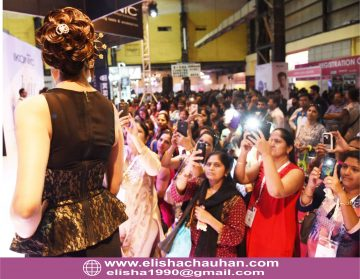 ridal Hairstyle by Elisha Chauhan at Fashion SHow in Mumbai_India (7)