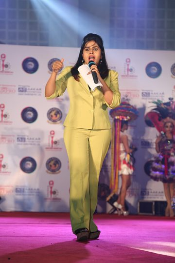 Delivering powerful speech at Event in Ahmedabad