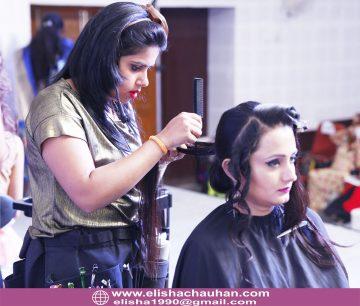 Elisha Chauhan Teaching on Stage in Udaipur Rajasthan (2)