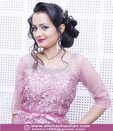 Elisha Chauhan Teaching on Stage in Udaipur Rajasthan (9)