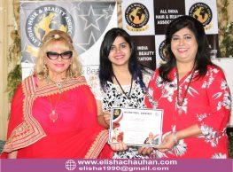 Elisha Chauhan certified in Makeup by World Champion Nanara (1)